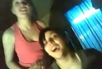 Mamada de dos amigas colegialasreales.com