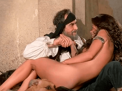 Catherine Zeta-Jones Desnuda en 1001 Nights
